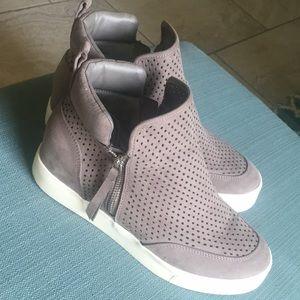 Steve Madden street shoes size 9